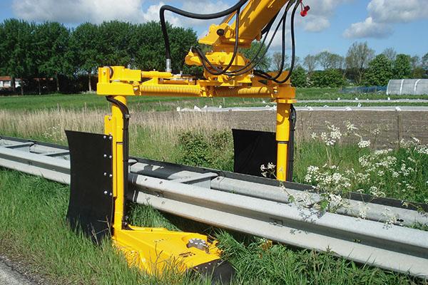 Crash Barrier Mower